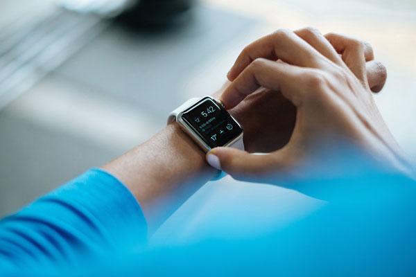 smartwatch reloj suizo